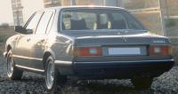 BMW E23, вид сзади