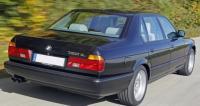 BMW E32, вид сзади